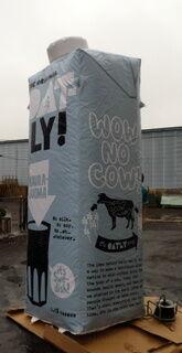Täispuhutav reklaam - piimapakk